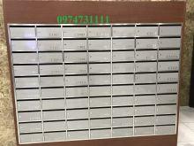 Tủ thư Inox viền gỗ công nghiệp